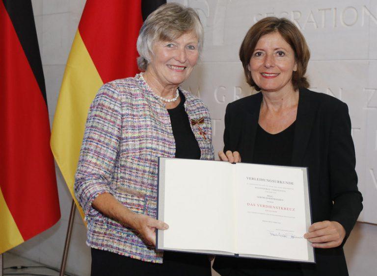 Gertrud Hoffranzen erhält Bundesverdienstkreuz