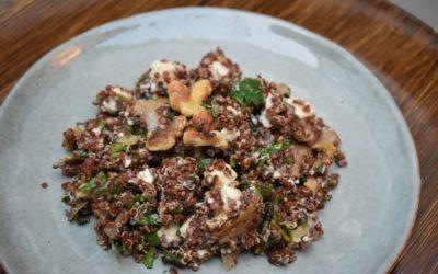 Warmer Quinoasalat mit Mangold