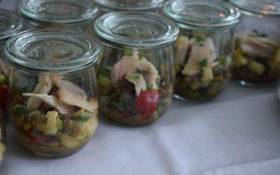 Linsensalat mit Räucherforelle im Glas